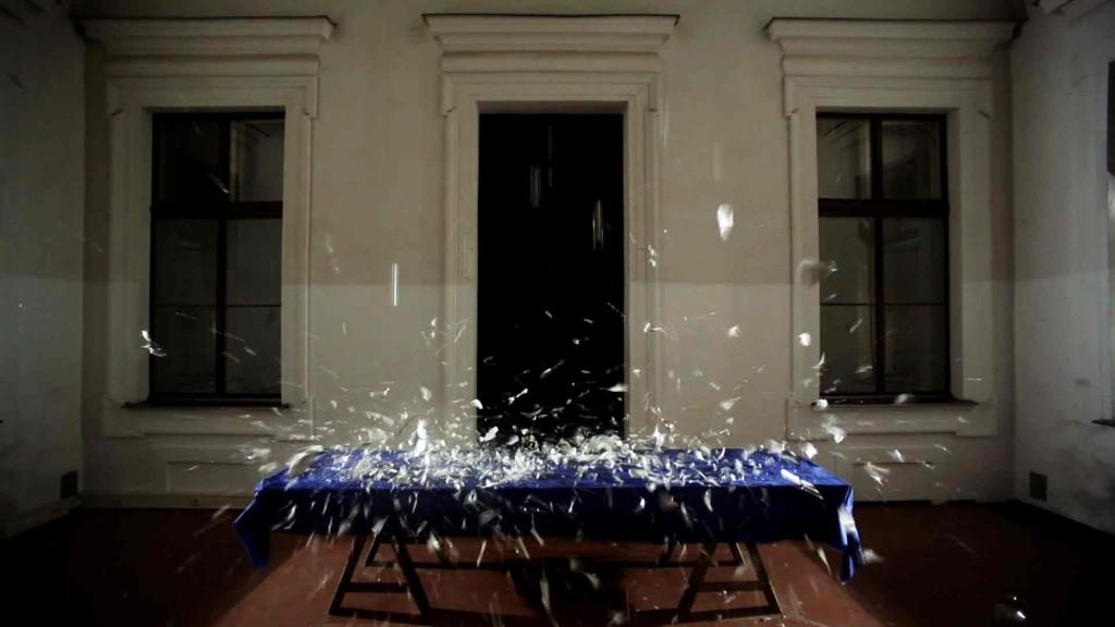 © Roman Pfeffer, Aldo Giannotti, Video Still aus Last Supper 2009, A TAVOLA kuratiert von Lucas Cuturi